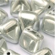 Pyramid Beads 6mm Crystal full Labrador 10 Stück