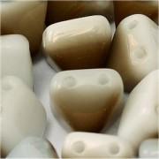 Pyramid Beads 6mm Alabaster Azuro 10 Stück