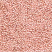 Miyuki Delica Perlen 1,6mm DB1522 opaque light Salmon 5gr