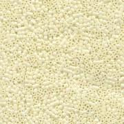 Miyuki Delica Beads 2,2mm DBM0203 opaque luster Eggshell 7,2 Gr.