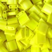 Miyuki Tila Beads 5mm matt opaque rainbow Yellow TL0404FR 7,2gr