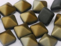 Pyramid Beads 12mm Jet Valentinite matt 5 Stück