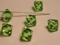 Swarovski Elements Anhänger Bicones 6mm Top drilled Peridot 10 Stck