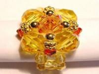 Perlenset Ring mit Swarovski Elementskristallperlen, vergoldeten Kugeln und blütenförmigen Spacern