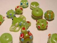 Glasperlen 10-15mm apfelgrün