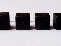 Lava Würfel 10mm glatt und poliert