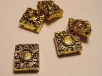 Quadrat 10mm goldfarben 2 parallelle Löcher 10 Stück