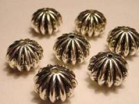 Metall Perlen Kunststoffkern 11x14mm gestauchte Kugel ziseliert silberfarben