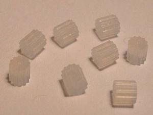 Ohrringstöpsel 3*4mm Kunsstoff 40 Stk. im Beutel