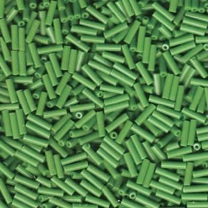 Miyuki Stäbchen Perlen Bugle Beads 6mm 0411 opaque Medium Green 10gr