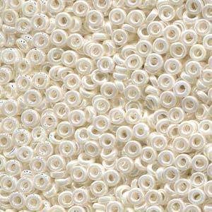Miyuki Spacer Beads 2,2X1mm Ceylon Ivori ca 10 gr