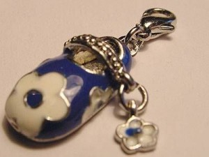 Charms Babyschühchen September Karabiner blau 9x18mm