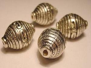 Metall Perlen Kunststoffkern 15x20mm Amphore silberfarben
